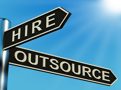 hiring vs outsourcing3